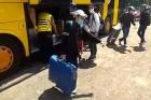 Bus Pengangkut 15 TKI dari Italia Dihentikan di Surabaya