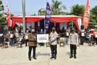 Korlantas Bagikan 1.000 Paket Sembako ke Opang di Stasiun Cibinong