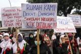 Gagal Masuk SMA Negeri, Orang Tua dan Siswa di Depok Demo