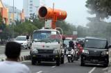 Tekan Penularan Covid-19 di Jakarta, Armada PMI Semprot Disinfektan Jalan Letjend Suprapto