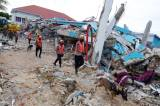 Tim SAR Gunakan Anjing Pelacak untuk Mencari Korban Gempa Mamuju
