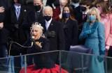 Lady Gaga Nyanyikan Lagu Kebangsaan AS saat Pelantikan Biden