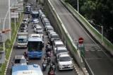 Parkir Sembarangan di Bahu Jalan Kian Marak di Ibukota