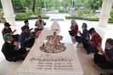 Peringati Hari Musik, Anggota Persaudaraan Cinta Tanah Air Ziarah ke Makam WR Soepratman