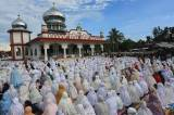 Jamaah Tarekat Syattariah Gelar Shalat Idul Fitri Lebih Awal