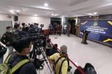 Puluhan Wartawan Menunggu Kedatangan Adelin Lis di Kejagung