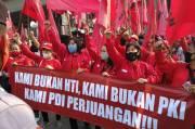 Kader PDIP Datangi Polres Jakut, Minta Pembakar Bendera Partainya Diusut