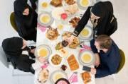 Makan Berlebihan saat Lebaran Berisiko Datangkan Beragam Penyakit