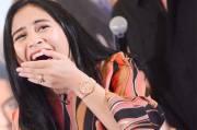 Prilly Latuconsina Lakukan Adegan Cium dalam Air di Serial I Love You Silly