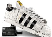 Unik dan Kreatif, Mainan Lego Berbentuk Sepatu Superstar