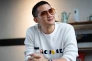 Intip Koleksi Sneakers Putih Rezky Aditya, yang Dituduh Punya Anak dari Perempuan Lain