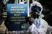 Aksi Damai Protes Bisnis Kotor Batubara