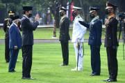 Presiden Jokowi Pimpin Upacara Prasetya Perwira TNI-Polri 2021 di Istana Merdeka