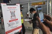 Uji Coba Aplikasi Peduli Lindungi di Stasiun Bekasi Timur