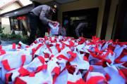 Penyaluran Paket Bansos Presiden di Blitar