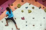 Melatih Kekuatan Otot Sejak Dini dengan Berolahraga Panjat Tebing