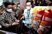 Menteri Kunjungi Stand UMKM Binaan Pertamina