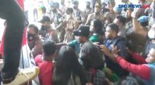 Tolak Peraturan Bupati, Aksi Unjuk Rasa Mahasiswa Berujung Ricuh