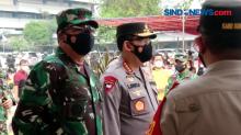 Tinjau Vaksinasi, Panglima TNI : Covid-19 Tak Kenal Siapa, Pangkat dan Jabatan
