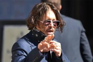 Johnny Depp Akui Beri Marijuana pada Putrinya saat Usia 13 Tahun