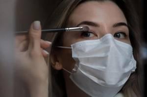 Amankah Menggunakan Kosmetik di Era New Normal?
