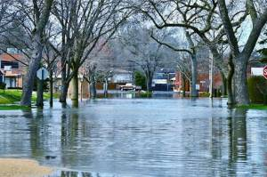 5 Tips Jaga Daya Tahan Tubuh saat Banjir