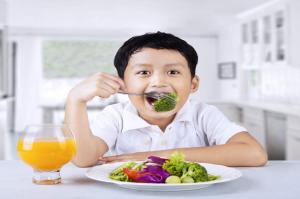 Anak Tetap Butuh Nutrisi Seimbang Walau di Rumah Saja