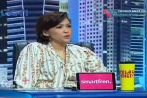 Penampilan Maia Estianty selalu mencuri perhatian saat menjadi juri Indonesian Idol. Pemilik lagu Teman Tapi Mesra ini selalu tampil fashionable.