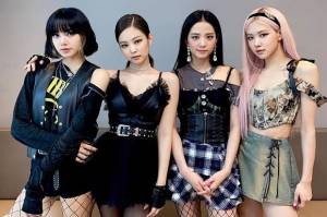 BLACKPINK Dinobatkan Group of The Year Variety