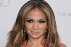 Ingin Cantik dan Awet Muda Seperti Jennifer Lopez? Ini Tipsnya!