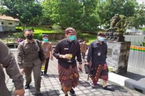 Ngantor Perdana di Bali, Sandiaga Uno Disuguhi Jamu Khas Bali
