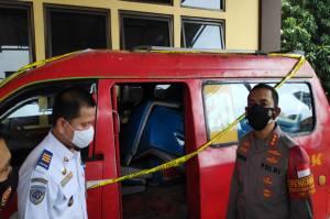 Komplotan Pencuri Pereteli Bus Transjakarta di Terminal Pulogadung