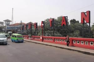 Jembatan Merah Bogor, Tempat Kongkow Gubernur Jenderal Hindia Belanda Sambil Makan Doclang