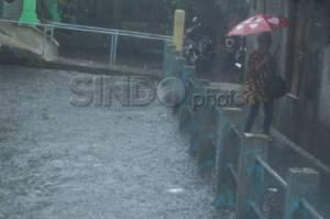 Hujan Diprediksi Merata Guyur Jakarta sejak Pagi hingga Sore