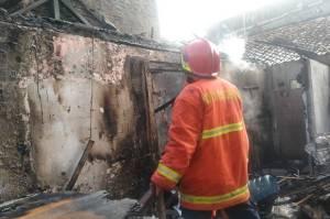 Kebakaran di Pasar Lama Tangerang, 1 Tewas Kesetrum Listrik Usai Api Padam