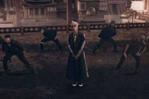 Young Lex Dituding Plagiat, Media Korsel Tunjukkan Kesamaan Video Musik Raja Terakhir dengan Lit Milik Lay EXO