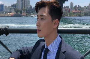 Rayakan Debut Akting 10 Tahun, Park Seo Joon Gelar Fan Meeting Online pada 15 Mei