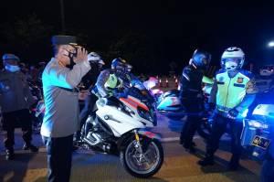 Kapolda Metro Jaya Bareng Kakorlantas Naik Motor Tinjau Penyekatan Cikarang