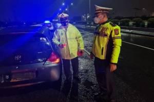 Masuk Jalan Tol dan Lawan Arah, Pengendara Motor Tewas Ditabrak 2 Mobil