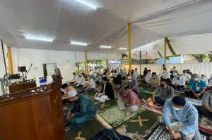 Salat Ied di Tenda At Tabayyun, Warga Kompleks TVM Ucapkan Terima Kasih ke Anies