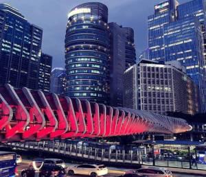 Gemerlap JPO di Jakarta pada Malam Hari Bikin Suasana Menarik