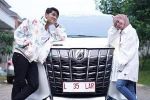 Bahagianya Rizky Billar dan Lesti Andryani Dihadiahi Mobil Mewah Jelang Lamaran