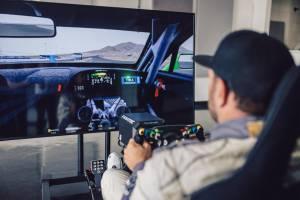 Keren, Setir Mobil Balap Bentley Bisa Dipasang di Game Simulator