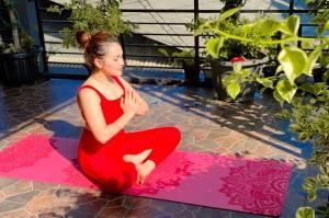 Ayu Ting Ting Pamer Pose Yoga, Dipuji Cantik Kayak Bidadari