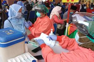 Vaksinasi Harian di Jakarta Lampaui Target, Wagub Ariza: Jangan Puas Diri, Tetap Jaga Prokes