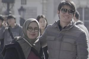 Ibunda Irwansyah, Herlianah, telah sadar dari koma usai positif Covid-19. Herlianah dikabarkan sadar usai didengarkan lantunan ayat suci Alquran.