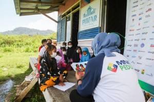 Latih Kreativitas, MNC Peduli Ajak Anak-Anak Kampung Cisadon Bogor Bermain Bersama