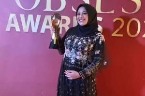 Aurel Hermansyah Bawa Pulang Trofi Ini di Obsesi Awards 2021