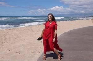 Maia Estianty Sakit Kulit Rosacea, Tetap Enjoy Liburan di Pantai yang Panas