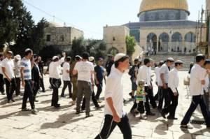 Pemukim dan Pasukan Israel Serbu Masjid Al-Aqsa Saat Fajar